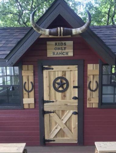 Ranch Playhouse in Hilltop 1