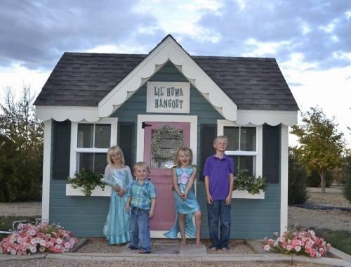 Custom Cottage in Henderson