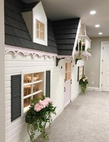 Custom Interior Playhouse 3